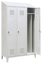 99552202 Szafka ubraniowa 0,8mm na nóżkach ze skośnym daszkiem, zamek na kłódkę, 3 drzwi (wymiary: 2140x1200x490 mm)