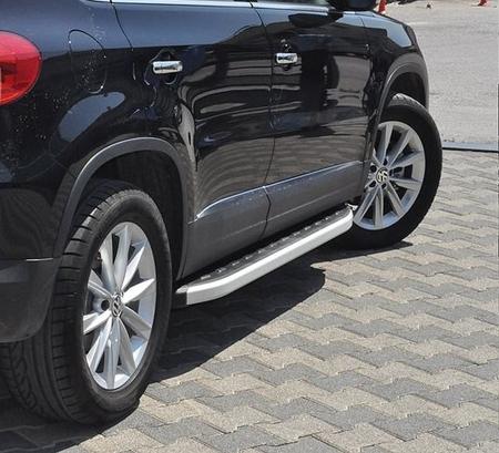 01655778 Stopnie boczne - Volkwagen Tiguan (długość: 171 cm)