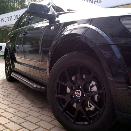 01655983 Stopnie boczne, czarne - Volkswagen T5 & T6 2015- long (długość: 252 cm)