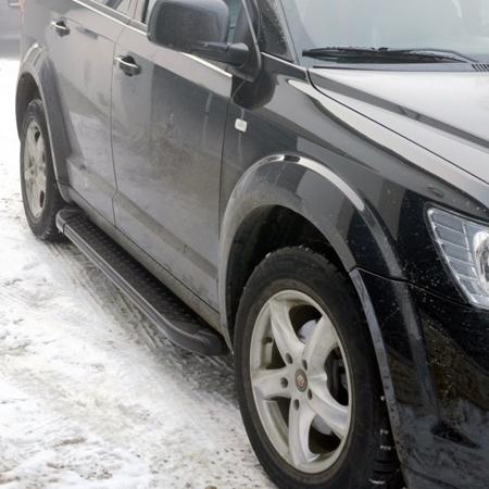 01656101 Stopnie boczne, czarne - Ford Kuga 2008-2012 (długość: 171 cm)