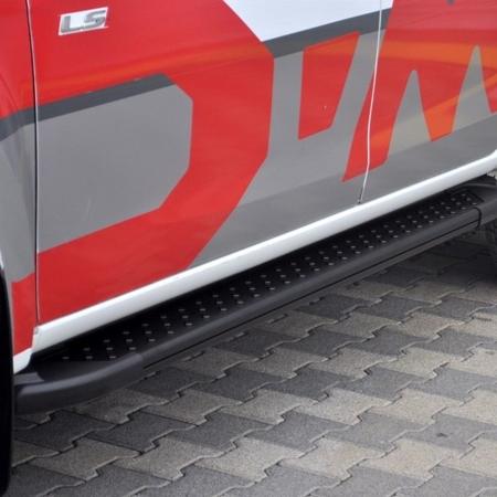 01656151 Stopnie boczne, czarne - Nissan Primastar 2001-2014 long (długość: 252 cm)