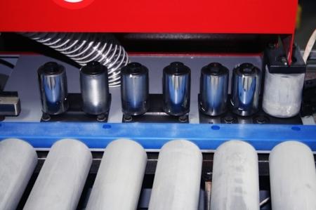 44349978 Okleiniarka Holzmann KAM 115 (zakres grubości obrabianego elementu: 10 - 45 mm, wymiary stołu: 2050 x 800 mm)