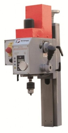 44350044 Przystawka frezująca Holzmann ED 750FADQ (skok frezu wzdłużnego: 50 mm, max. średnica frezu palcowego: 16 mm, moc: 750 W)