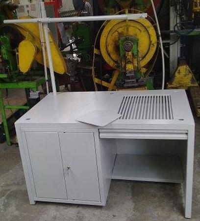 77156972 Stół spawalniczy, 1 szafka (wymiary: 1300x800x750 mm)