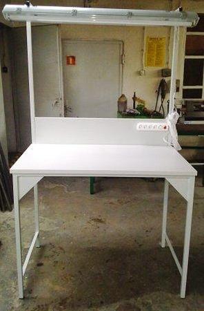 77156988 Stół montażowy + tablica z listwą zasilającą i oświetleniem (wymiary: 1200x700x960/2000 mm)