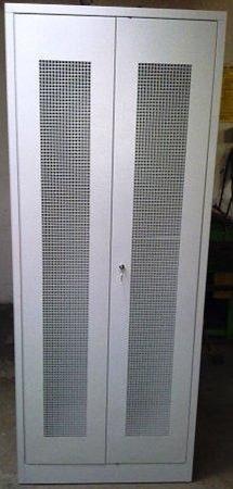 77157032 Szafa odzieżowa, 2 drzwi perforowane (wymiary: 2000x800x500 mm)