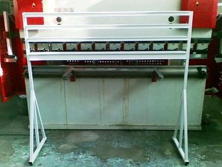 77157412 Stojak na pojemniki warsztatowe (wymiary: 1600x1300x400 mm)